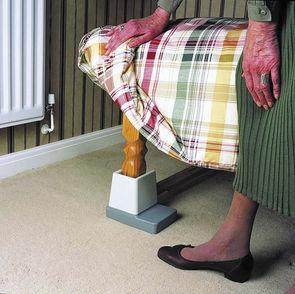 Langham adjustable bed raiser